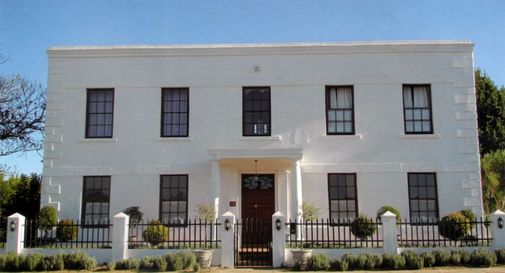 Heidelberg The old magistrate building in Van Riebeek Street - App